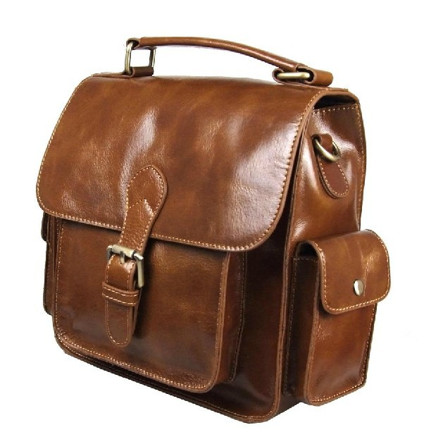 Leather Bags For Men When a man needs a bag, he needs a bag that meets a few special requirements. He needs a bag that looks good, keeps him well organized, and one that gives him the image he needs to project in the world.