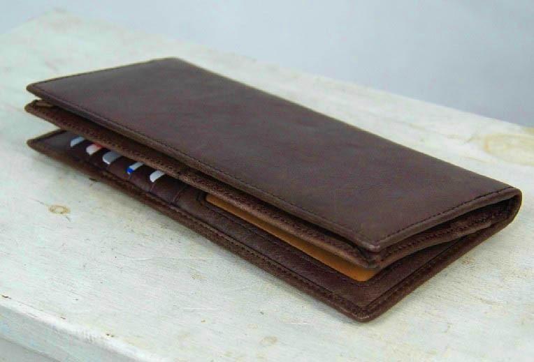6bd21045b8 Leather purse ...