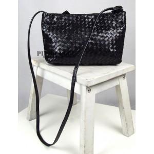 black messenger bag womens