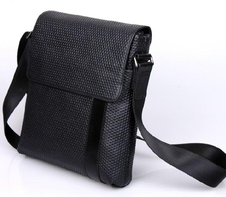 Black, Leather Messenger Bags: Find the perfect messenger bags to carry your stuff from point A to point B at 24software.ml Your Online Bags Store! Get 5% in rewards with Club O! Handmade Phive Rivers Men's Leather Messenger Bag (Black) (Italy) SALE ends in 1 day. More Options.